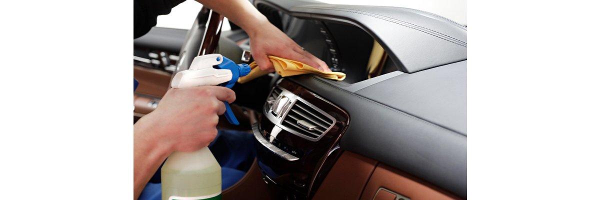 Autopflege und Innenraumreinigung -